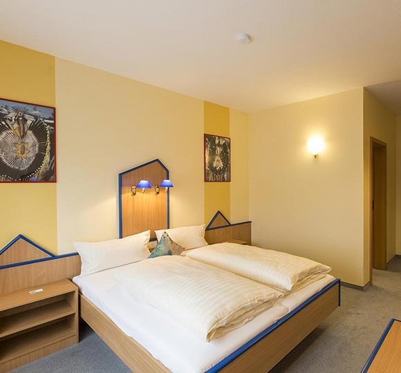 doppelzimmer-standard_einzelzimmer-komfort_02.jpg